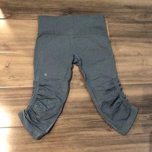 Lululemon in the flow crop pants like new